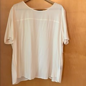 Tops - Light fabric NWT off white top